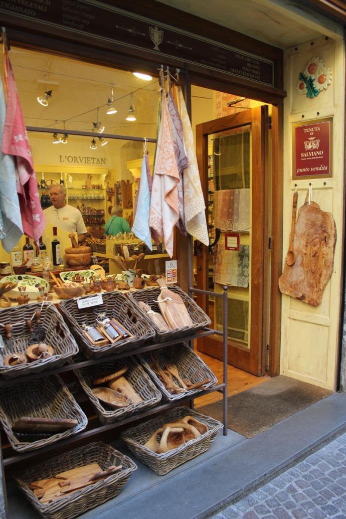 Orvieto olive boards shop