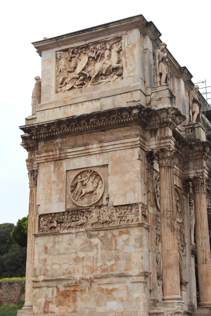 Rome arch side carvings