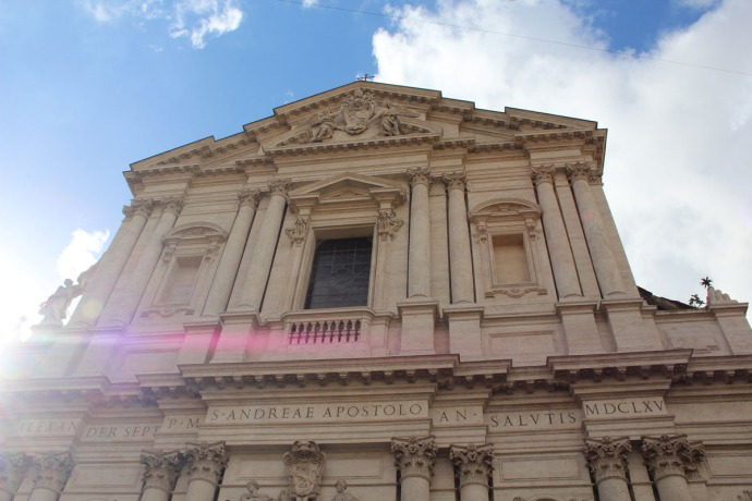 Rome bldg with blue skies