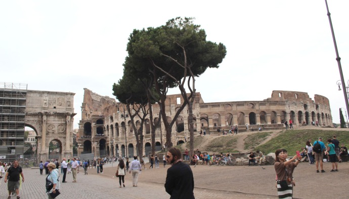 Rome Colosseum & arch view
