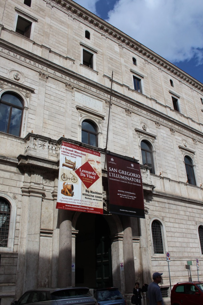 Rome da Vinci entrance sign