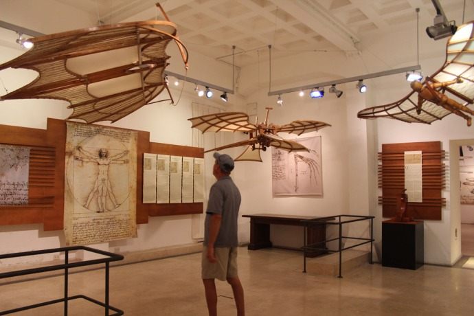 Rome da Vinci flying inventions, wally