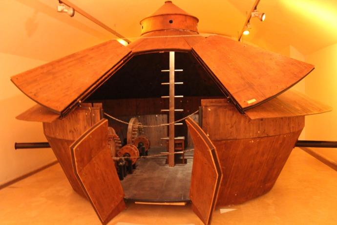 Rome da Vinci tank