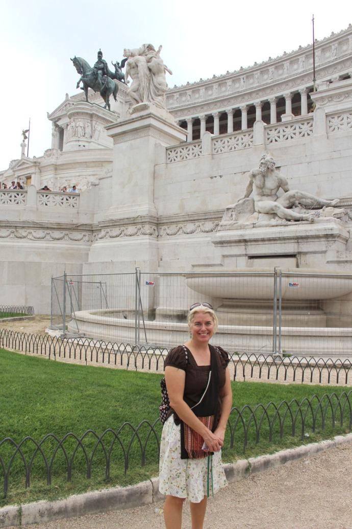 Rome Jamie & monument