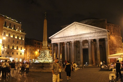 Rome Pantheon, Fountain & Wally at night