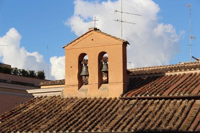 Rome Pantheon Inn courtyard bells