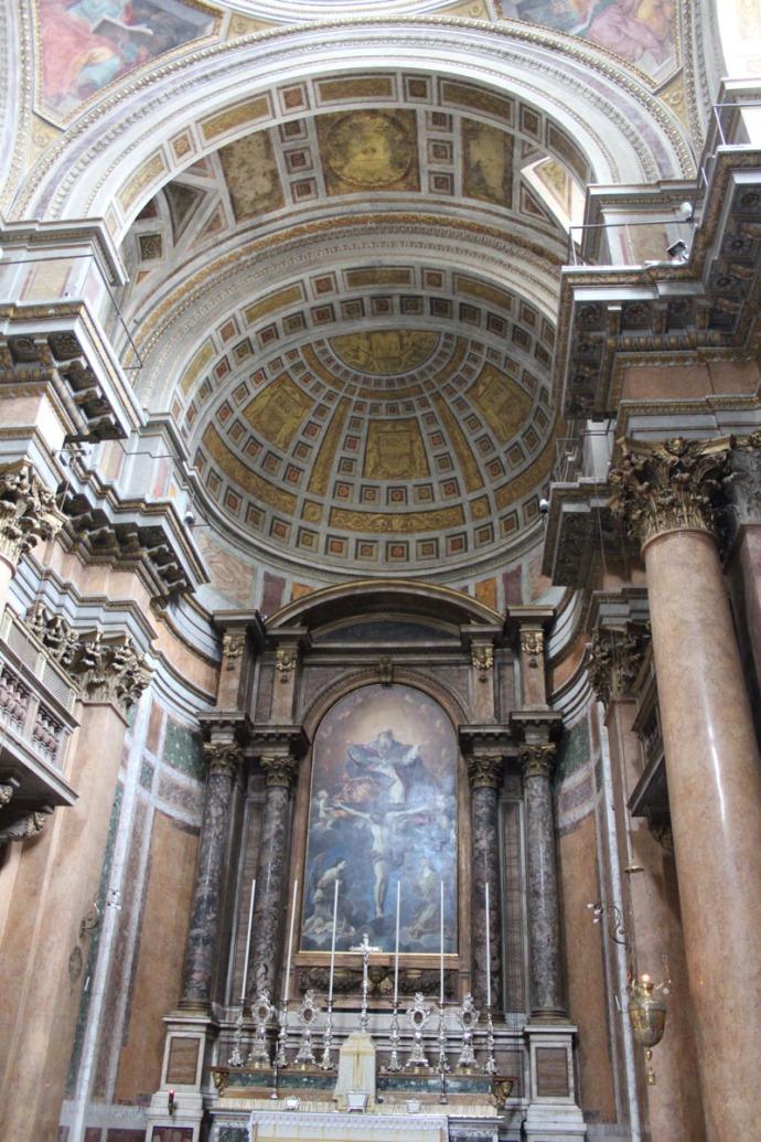 Rome Santissima Trinità dei Pellegrini domed alter