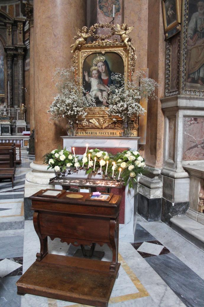 Rome Santissima Trinità dei Pellegrini Mary & Jesus