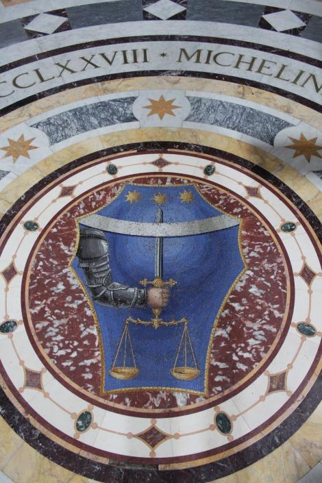 Rome Santissima Trinità dei Pellegrini mosaic hand full