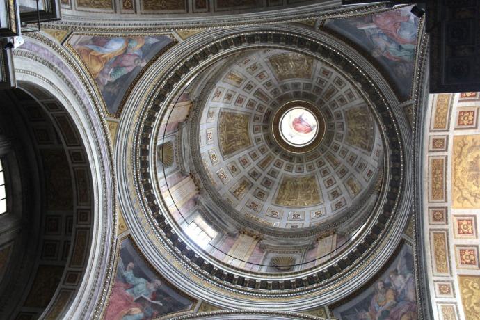Rome Santissima Trinità dei Pellegrini occulus dome