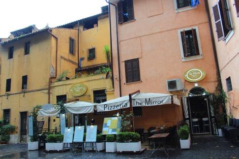 Rome The Mirror Pizzeria, Trastevere ext
