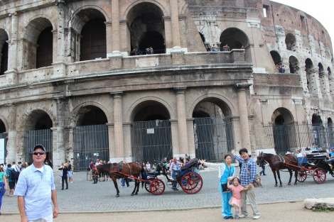 Rome Wally, Asians, colosseum