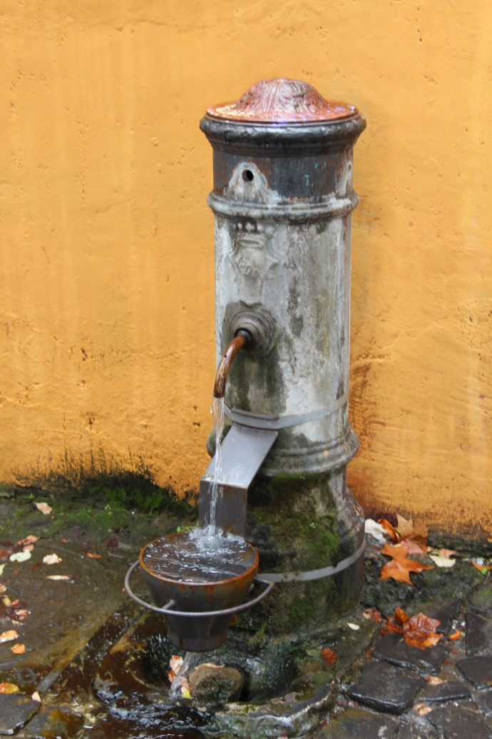 Rome water fountain refill