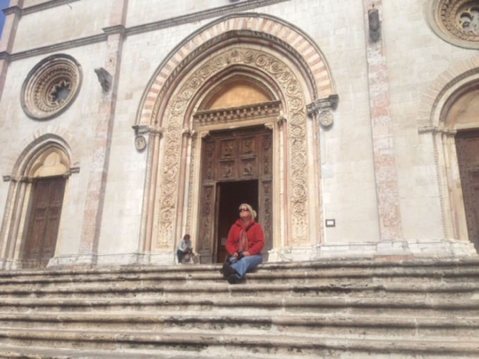 Todi, Jamie on Cathedral steps