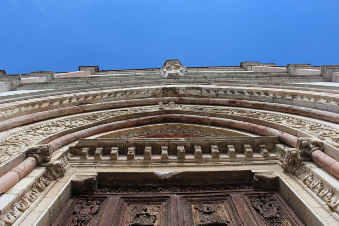 Todi The Cathedral, Piazza del Popolo, vert view of front