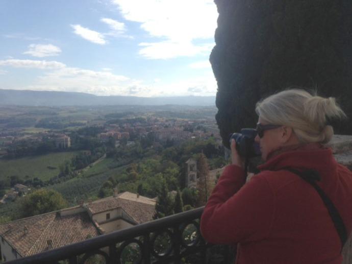 Umbria, Jamie photographing