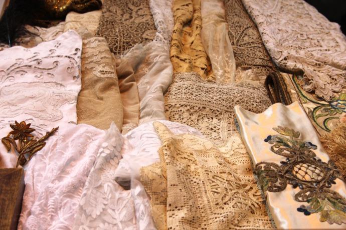 Arezzo antique lace