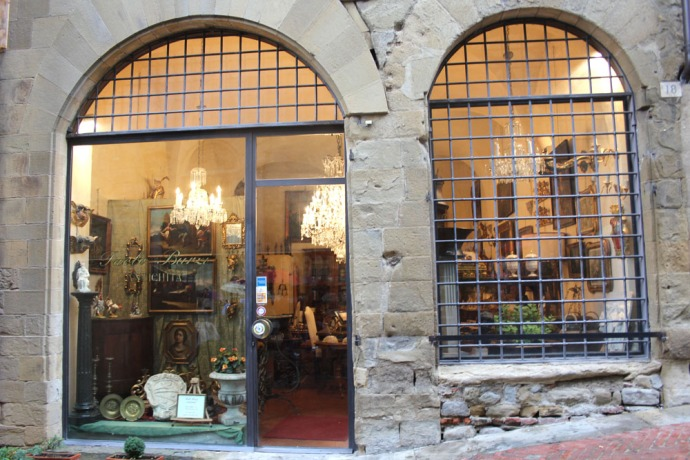 Arezzo antique shop, grilled windows