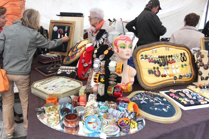 Arezzo bakelite jewelry booth