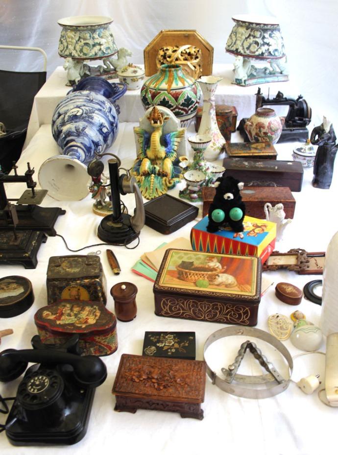 Arezzo ceramics & wood boxes