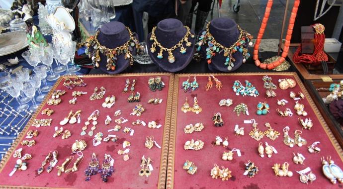 Arezzo fancy earrings & necklaces