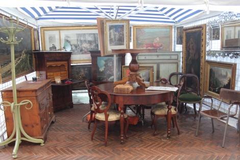 Arezzo fine furniture & paintings
