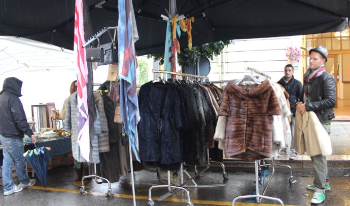 Arezzo fur coat booth
