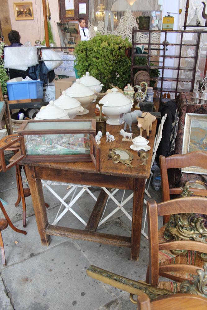 Arezzo ironstone & table