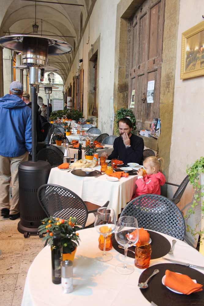 Arezzo restaurant on piazza