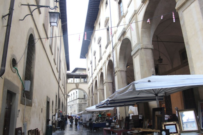 Arezzo street view