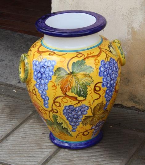 Castiglione del Lago ceramic grape urn