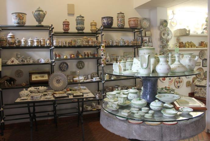 Castiglione del Lago ceramic shop