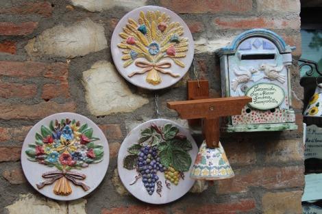 Castiglione del Lago ceramics, wheat plates