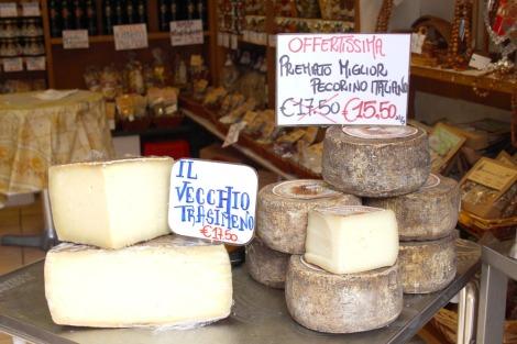 Castiglione del Lago cheese rounds 1