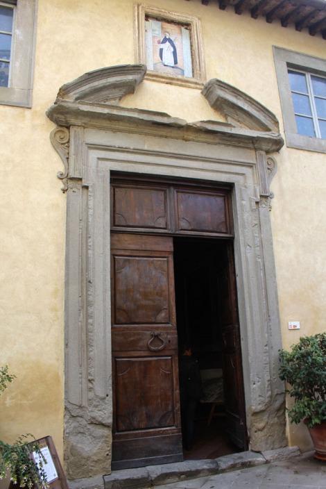 Castiglione del Lago church saint & door