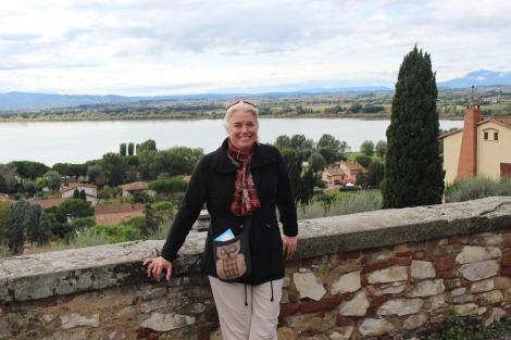 Castiglione del Lago Jamie on wall 2