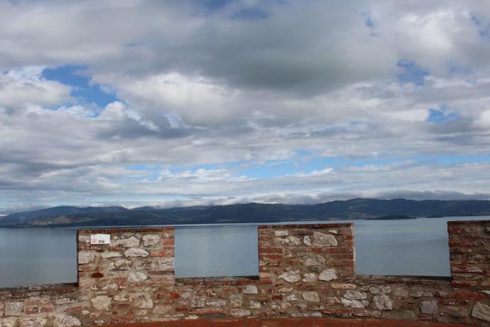 Castiglione del Lago lake and wall top
