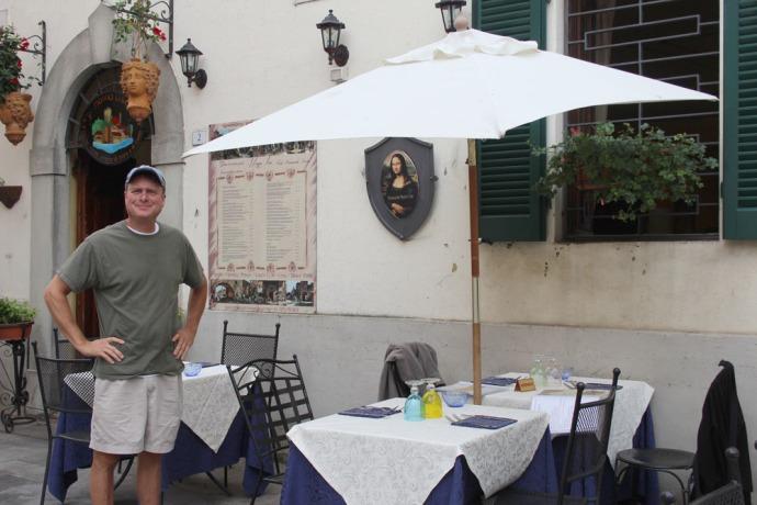 Castiglione del Lago Monna Lisa outside table, wally