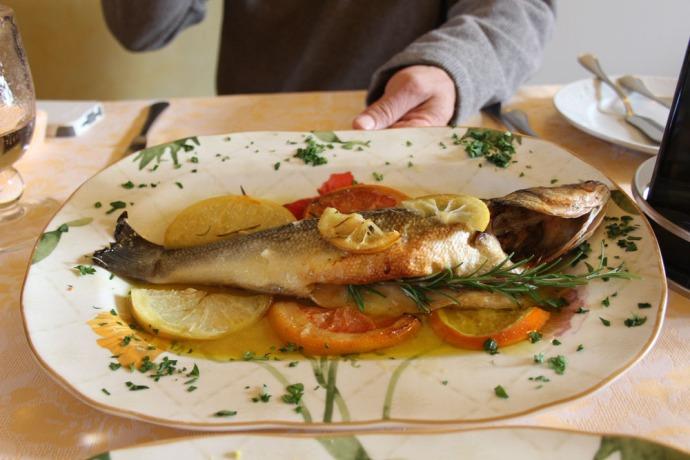 Castiglione del Lago Monna Lisa Wally's fish side