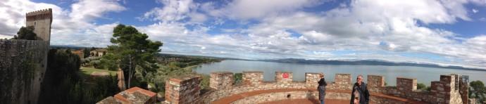 Castiglione del Lago pano wall top, sky