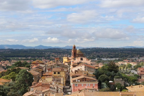 Castiglione del Lago red tile rooftops of town