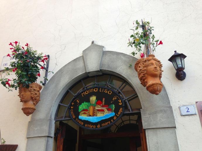 Castiglione Monna Lisa entrance top