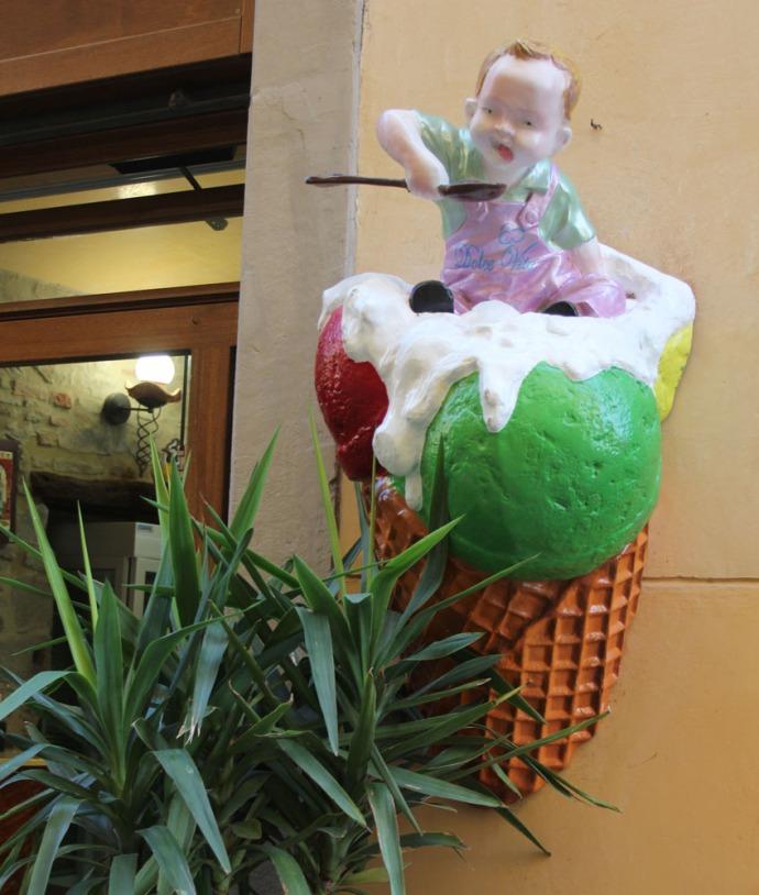 Cortona gelato figure