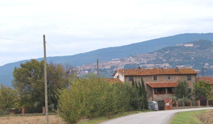 Cortona La Mucchia Casa Vacanze house & hill