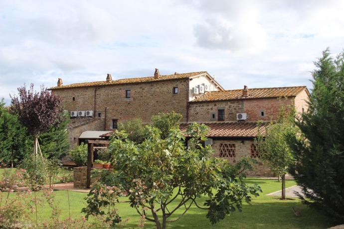 La Mucchia Casa Vacanze back view
