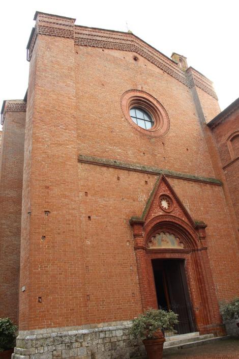 Monte Oliveto church entrance