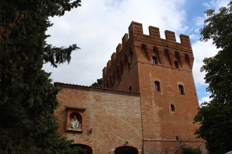 Monte Oliveto entry tower building