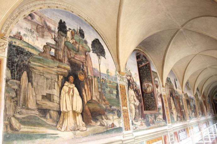 Monte Oliveto hallway