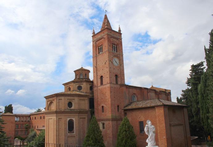 Monte Oliveto monastery bldg & statue