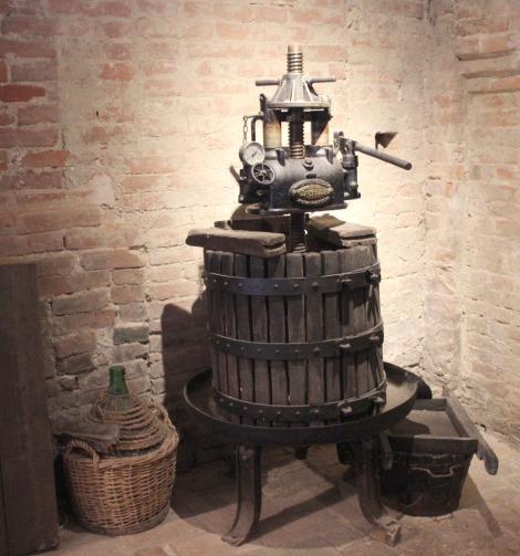 Monte Oliveto olive press